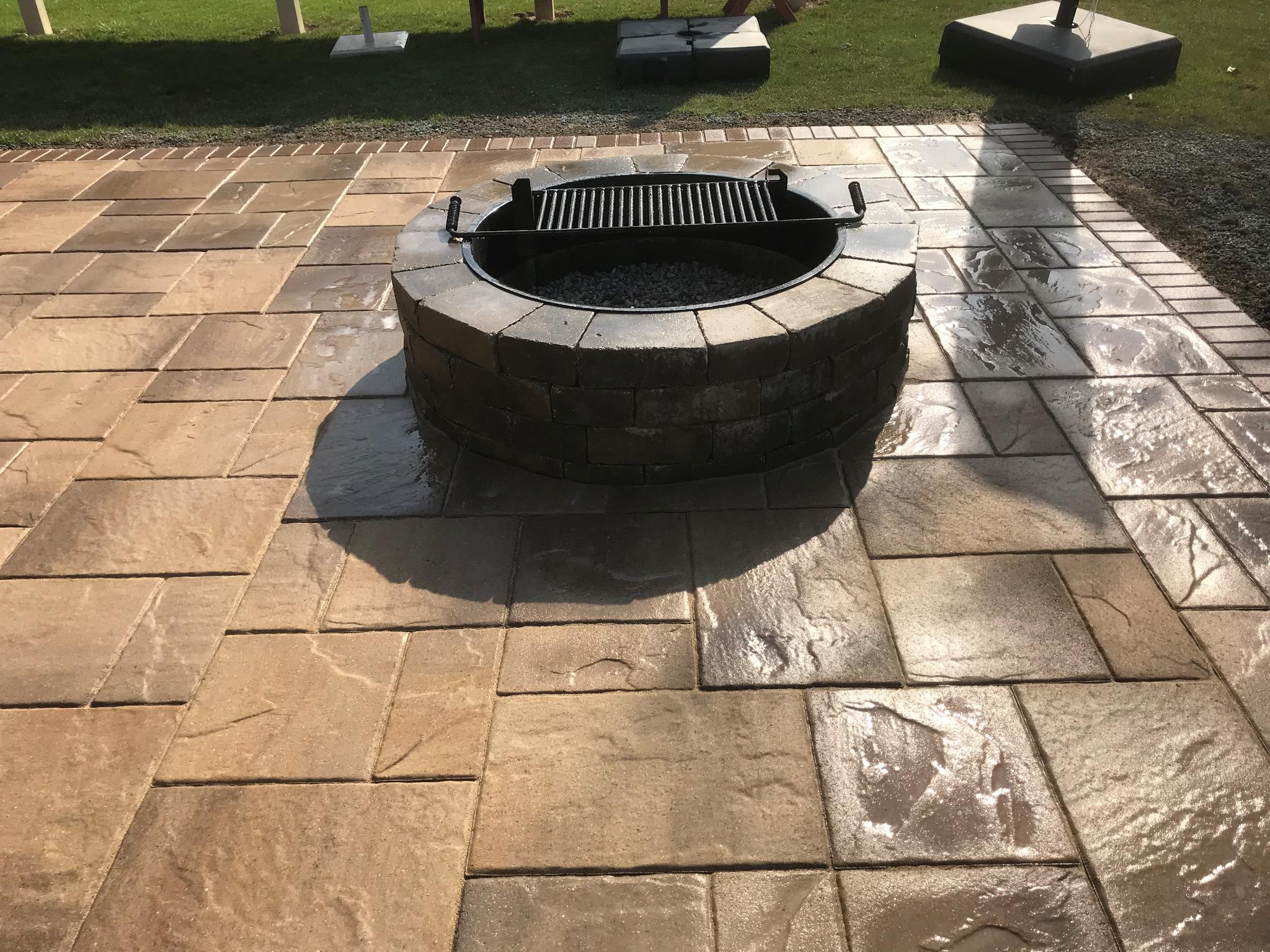Fire Pits & Fireplaces - Elyria, OH